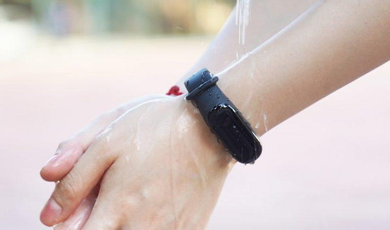 بررسی و مقایسه می بند ۳ شیائومی با می بند ۲: آیا ارزشش را دارد که دستبند سلامتی جدید بخرید؟