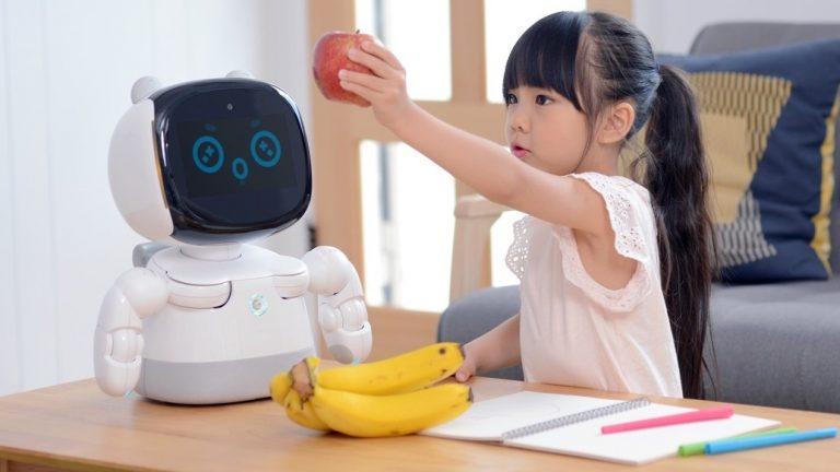 ربات Xiaodan شیائومی رونمایی شد: یک ربات جدید مجهز به هوش مصنوعی که می تواند به بچهها انگلیسی آموزش دهد